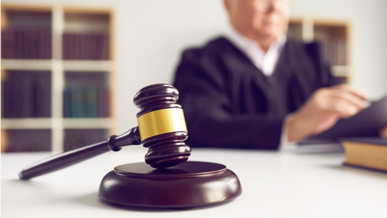 स्टीवन सीगल द्वारा टाल दी गई क्रिप्टो योजना के प्रमोटर ने दोषी ठहराया, जेल में 5 साल का सामना करना पड़ा