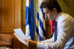 O senador Sartori do Uruguai revela a adoção de criptografia e o projeto de regulamentação 101