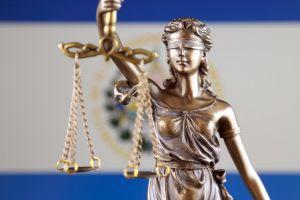 Advogado constitucional ataca plano de adoção de Bitcoin 101 de Bukele