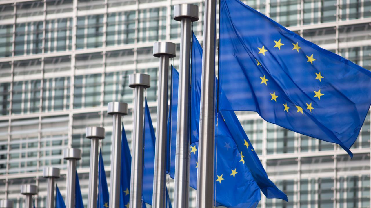 ES siūlo įstatymą, kuris užtikrintų visišką kriptografinių duomenų persiuntimą, uždraustų anonimines pinigines