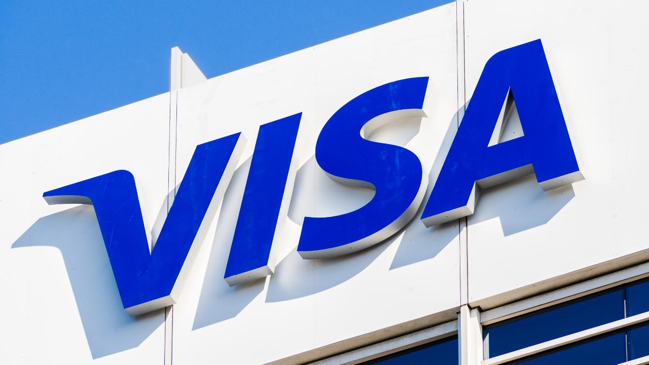 Visa en 50 platforms om betalingen met cryptovaluta mogelijk te maken bij 70 miljoen verkopers terwijl cryptokaarttransacties toenemen So