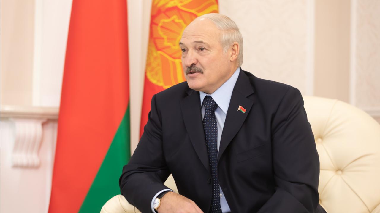 Лукашенко призовава беларусите да добиват криптовалута, вместо да берат ягоди в чужбина