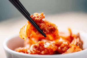 Zuid-Koreaanse douanebeambten sluiten net op 'Kimchi Premium'-overtreders 101
