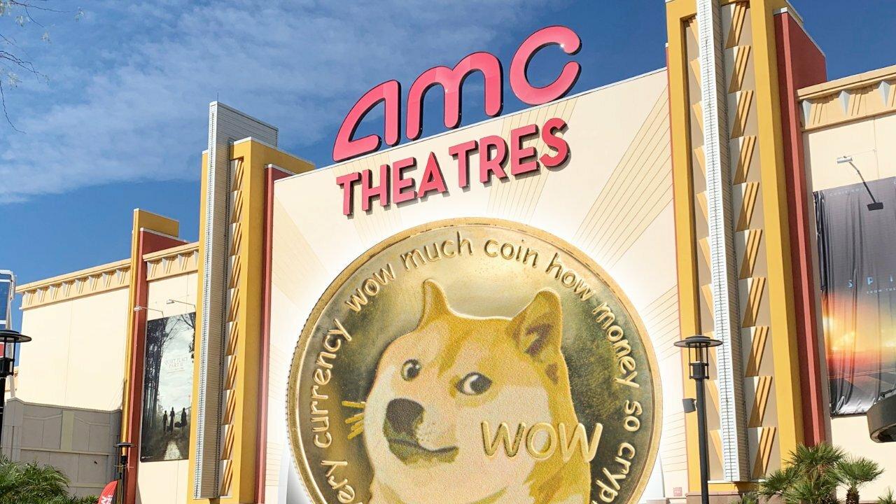 AMC Theaters изследва приемането на Dogecoin: Главен изпълнителен директор, очарован от резултатите от анкетата на DOGE