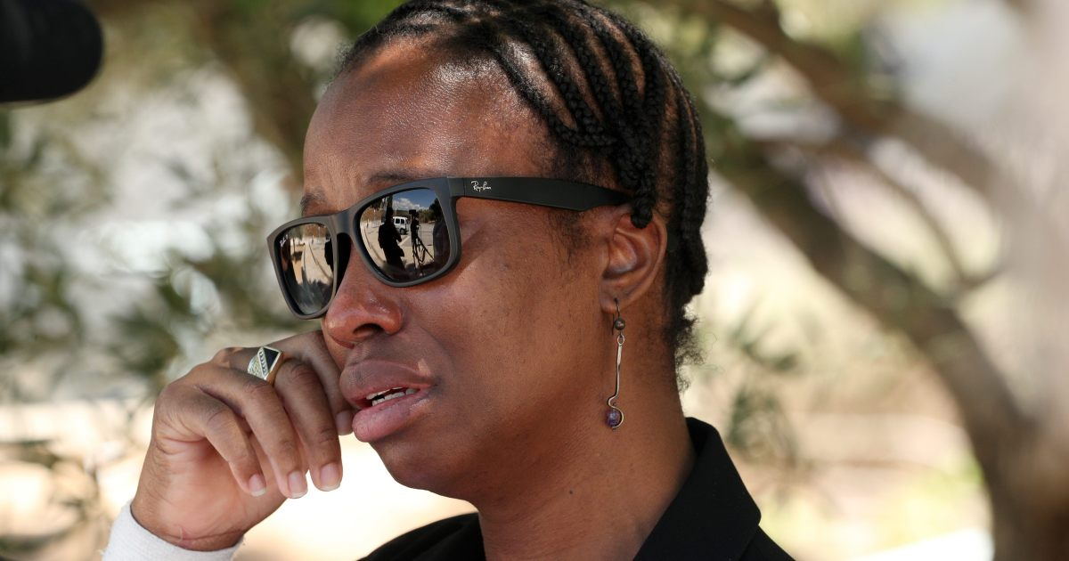 Janice McAfee accepteert het 'zelfmoord'-verhaal van haar man niet