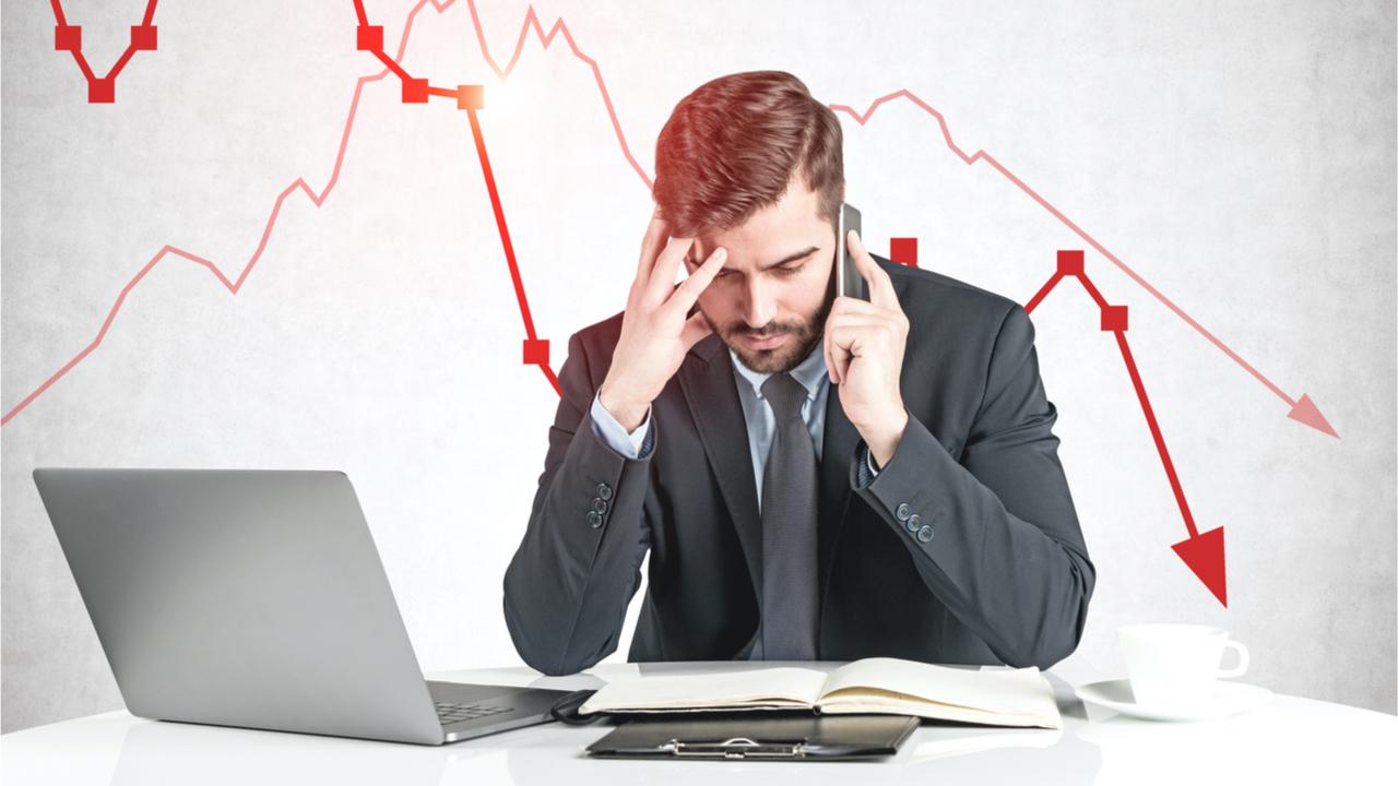 Analist, Bitcoin'in Değeri Bu Hafta %8 Düştü, Hisse Senedi Düzeltmesinin Kriptoyu Etkileyebileceğini Söyledi